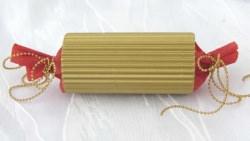 Geschenkschachtel ☆ handgemacht aus goldfarbiger und roter Wellpappe für das kleine Geschenk kaufen