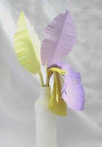 Papierfedern handgemacht aus farbigem Papier zum Gestalten und als Dekoration bestellen