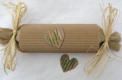 Handgefertigte Geschenkschachtel Rolle aus Wellpappe in Natur für das kleine Geschenk kaufen - Handarbeit kaufen