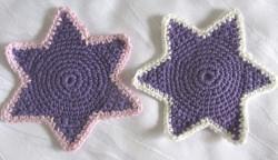 Handgehäkelte Untersetzer ☆ Glasuntersetzer ☆ Stern im Zweierset aus Baumwolle in Lila kaufen  - Handarbeit kaufen