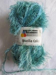 Fransenwolle Brazilia Color von Schachenmayr in der Farbe Grün Blau im Farbverlauf zum Häkeln und Stricken kaufen