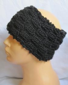 Handgestricktes Stirnband aus schwarzer Wolle in voluminösem Strickmuster bestellen.
