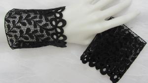 Stulpen Armstulpen ♥ handgenäht aus edler transparenter Spitze in Schwarz im schönen Design für festliche Anlässe oder als Ärmelverlängerung  kaufen