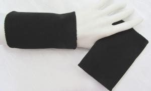 Handgefertigte Armstulpen Pulswärmer ♥ zugeschnitten und genäht aus festem Jerseystoff in Schwarz für festliche Anlässe  kaufen
