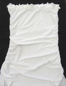 Attraktives Bandeautop in Weiß handgenäht aus Baumwolljersey als sommerliches Outfit kaufen