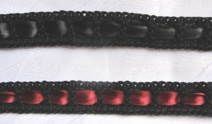 Zierborte ♡ Borte Bordüre handgehäkelt aus Baumwolle in Schwarz mit Satinband in  Schwarz oder Rot bestellen
