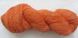 Handgefärbte Sockenwolle Lilie in Orange (4-fach) Nadelstärke 2 - 3 (Grundpreis 100 g/10,50 €) - Handarbeit kaufen