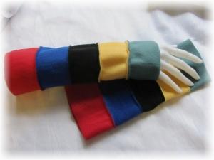 Handgefertigte Armstulpen aus Fleecestoff in fünf kunterbunten Farben kaufen - Handarbeit kaufen