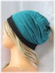 Handgefertigte Mütze ♡ Wendemütze ♡ Damen mit Öffnung für Pferdeschwanz aus Jersey Türkis und Schwarz kaufen - Handarbeit kaufen
