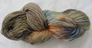 Handgefärbte Sockenwolle Schlamm (4-fach) Nadelstärke 2 - 3 (Grundpreis 100 g/11,00 €) - Handarbeit kaufen
