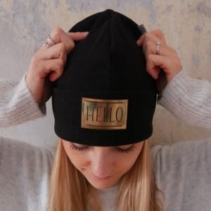 Hipster Beanie mit XL Label Mütze schwarz und andere Farben von zimtblüte - Handarbeit kaufen