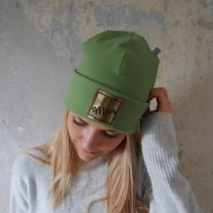 Hipster Beanie HELLO mit XL Label Mütze kiwi grün und andere Farben von zimtblüte
