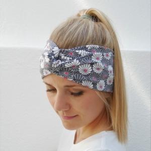 Turbanstyle Stirnband mit BELLIS Handarbeit von zimtblüte  Turban Haarband     - Handarbeit kaufen
