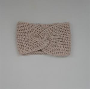 Wollweiß Stirnband Modell CARO mit Twist von zimtblüte handgestrickt   - Handarbeit kaufen
