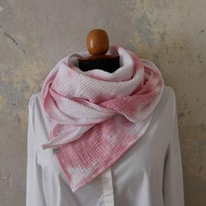 BOHO  Dreieckstuch im Batikstyle rosa weiß aus Musselin von zimtblüte NEU!  - Handarbeit kaufen