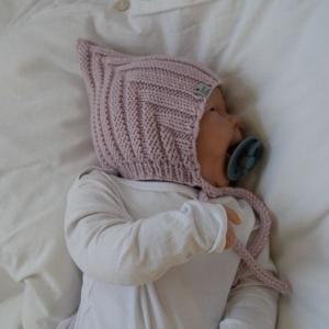 ZWERGLEIN Pixiemütze für Baby und Kind handgestrickt aus Wolle zimtblüte  - Handarbeit kaufen
