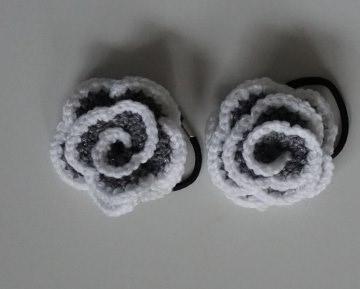 ♡ 2 Stück Haargummi  Rose in der Variante grau/weiß glitzer ♡ amigoll9 ♡ Handarbeit ♡ - Handarbeit kaufen