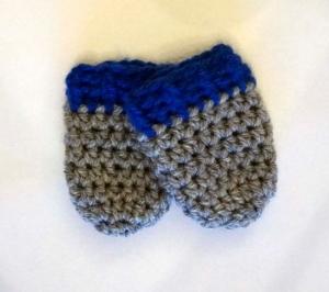 ♡ Babyhandschuhe grau/blau ♡ amigoll9 ♡ gehäkelt ♡ Handarbeit ♡ - Handarbeit kaufen