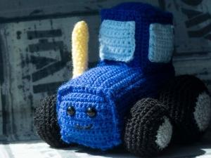 Amigurumi Häkelanleitung für den kleinen Traktor - Handarbeit kaufen