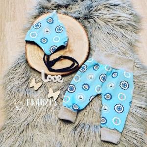 Babyset bestehend aus Hose und Bindemützchen in Größe 56-62 zu verkaufen