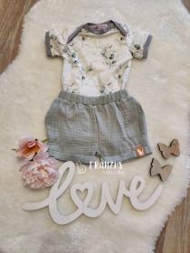 Babyset bestehend aus Body und kurzer Hose in Größe 56-62 zu verkaufen