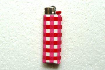 Feuerzeughülle pink-weiß kariert für BIC Feuerzeuge
