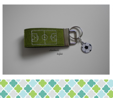 Schlüsselanhänger Fussballfeld
