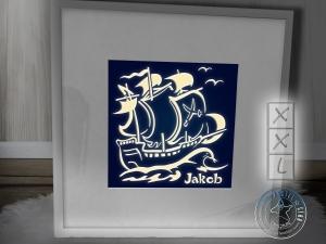 Piratenschiff Kinderlampe Geschenk mit Namen - Leuchtrahmen