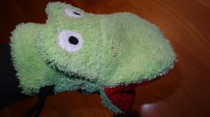 Waschhandschuh Frosch mit großem Maul, für Kinder - Handarbeit kaufen
