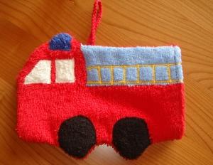 Waschlappen rotes Feuerwehrauto (Waschhandschuh) - Handarbeit kaufen