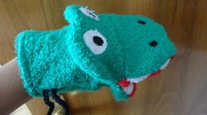 grünes Krokodil Waschhandschuh für Kinder (Waschlappen)