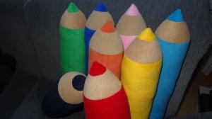 bunte Stifte als Kissen, Nackenrolle oder einfach zur DEKO - Handarbeit kaufen