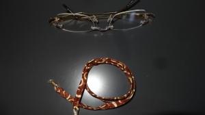 Braun-beige gemustertes Brillenband für den Braun-Typ - Handarbeit kaufen