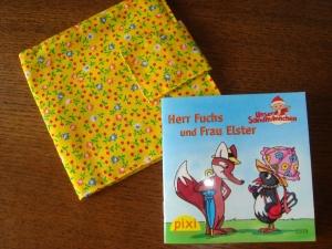 Pixibuchhülle in gelb mit Kirschen und Blumen, genäht für die kleinen Pixibücher - Handarbeit kaufen