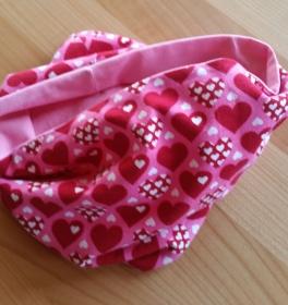rosa Herz-Schlauchschal - perfekt für den Übergang, Durchmesser 54 cm  - Handarbeit kaufen