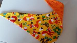 gelbes Wendehalstuch mit Füchsen, Rückseite ist in orange - Handarbeit kaufen