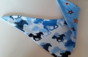 hellblaues Wendehalstuch mit vielen galoppierenden Pferden - Handarbeit kaufen