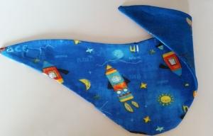 Wendehalstuch in blau mit einer Rakete - die Rückseite ist in blau mit kleinen Hunden und Ankern - Handarbeit kaufen