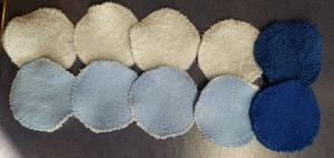 10 Frottee-Abschminktabs Durchmesser 7 cm,  8 x in hellblau, 2 x in dunkelblau - Handarbeit kaufen