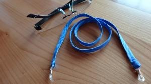***   blau gemustertes Brillenband mit Wellen    *** - Handarbeit kaufen