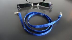 blau gemustertes Brillenband, ob für die Frau oder den Mann - Handarbeit kaufen