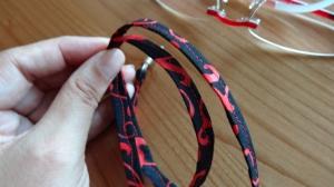 rot-schwarz gemustertes Brillenband, für die Frau - Handarbeit kaufen