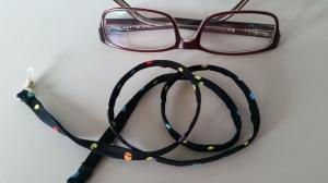 Brillenband schwarz mit bunten Punkten, für Sie oder Ihn