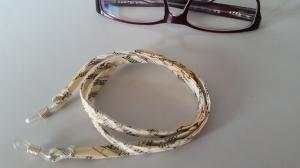 beiges Brillenband aus Notenstoff, für Sie oder Ihn - Handarbeit kaufen
