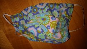 blau-lila geblümelte Gesichtsmaske, doppellagig aus Baumwolle  - Handarbeit kaufen