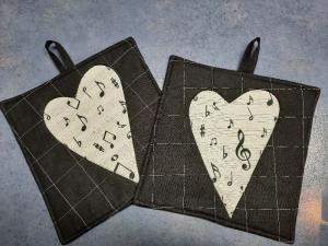 ♥♥   Noten - Herz - Topflappen in schwarz-weiß   ♥♥ - Handarbeit kaufen