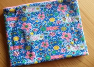 blauer Schlauchschal mit Blumen, Innenseite ist Fleece, Durchmesser 50 cm  - Handarbeit kaufen