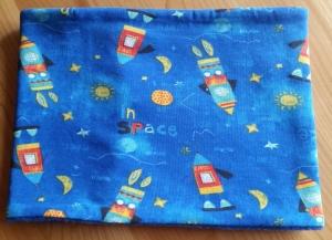 blauer Schlauchschal mit Raketen, Innenseite ist Fleece, Durchmesser 54 cm - Handarbeit kaufen