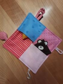 Greif-, Spiel- und Suchtuch für kleine Mädchen in rosa und blau - Handarbeit kaufen