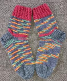 Handgestrickte Wollsocken/-strümpfe, Größe 37  - Handarbeit kaufen